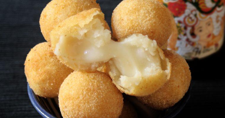 Bolinhas de queijo (Palline al formaggio)