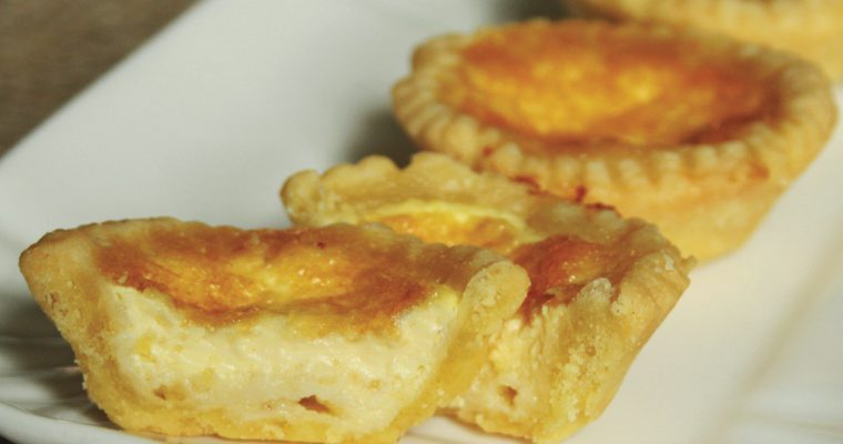 Empadinha de queijo (Mini Cheese Pies)