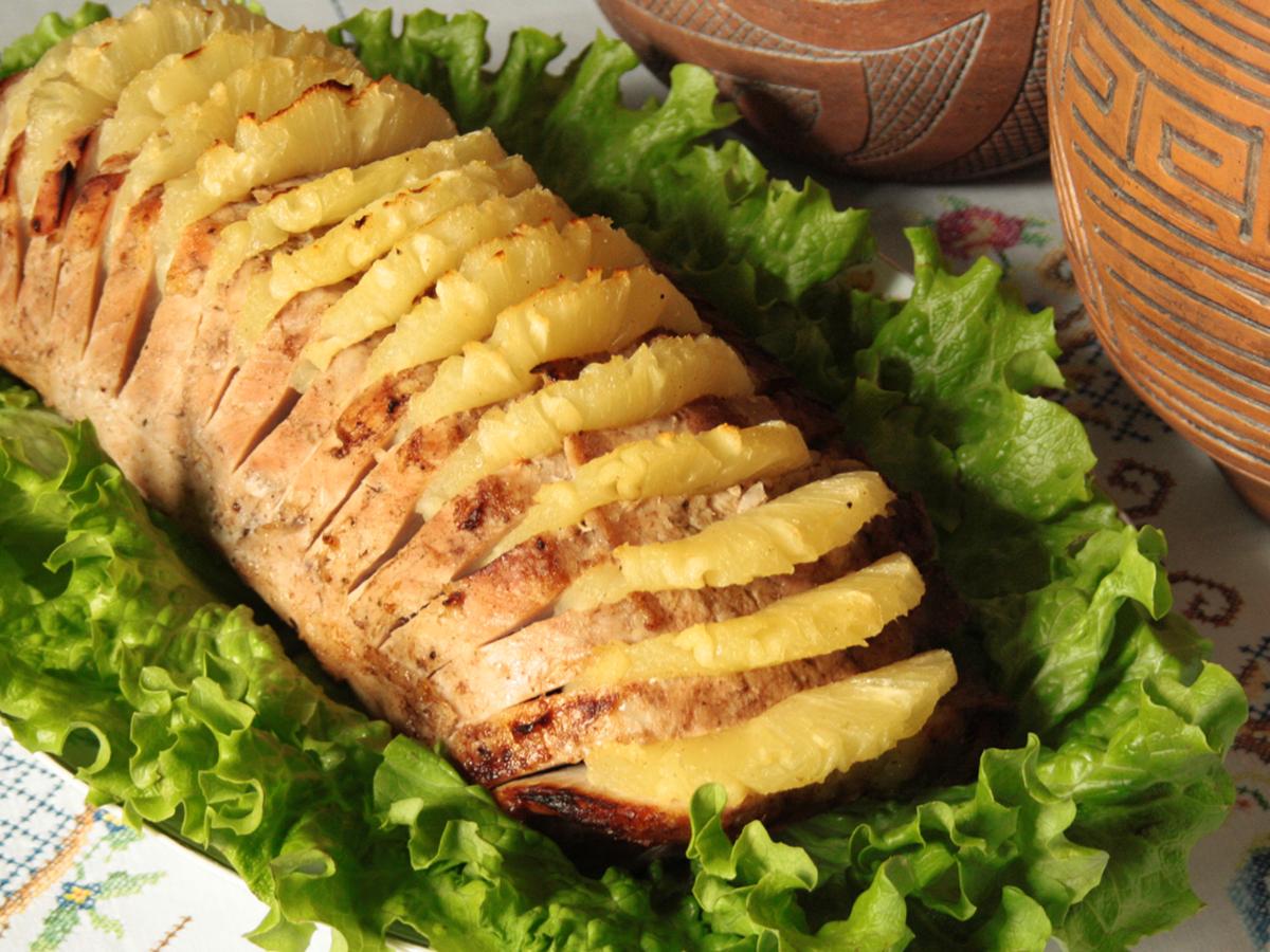 Lombo com abacaxi (Roast Pork Loin with Pineapple)
