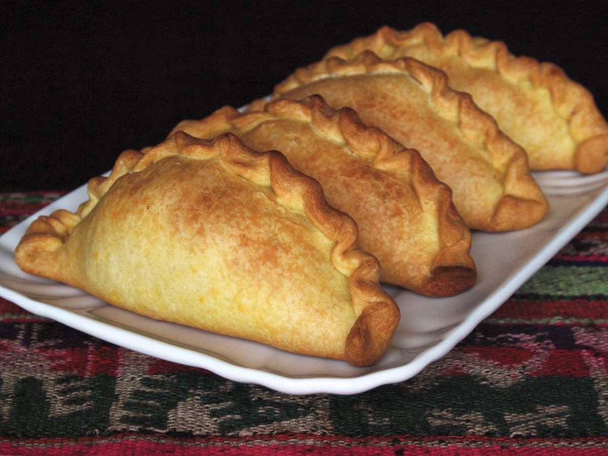 Saltenha (Tortelloni di pollo)