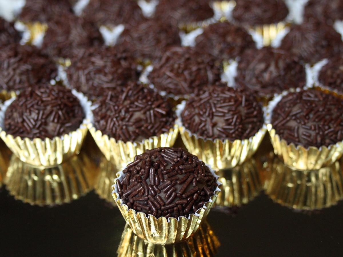 Brigadeiro (Chocolate balls)