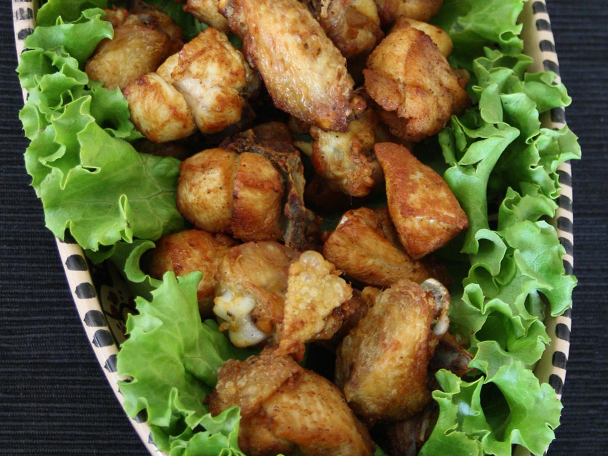 Frango a passarinho (Pollo fritto)