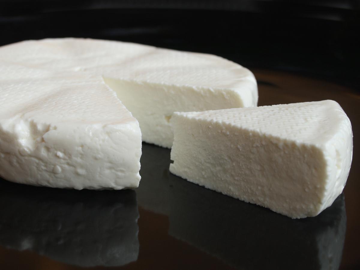 Queijo de minas(First-salt cheese)